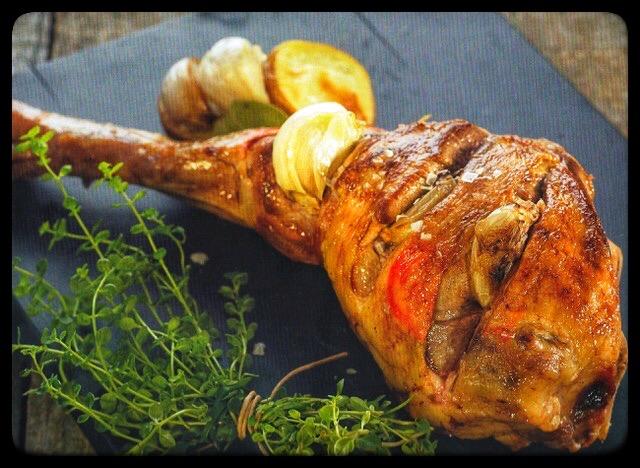 receta de pierna de cordero con ajos asados chef Dani Lechuga